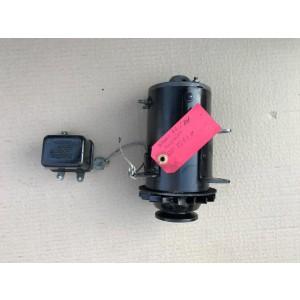 Dynamo Ducellier 6 volts 7251 H avec son régulateur Ducellier 8308-A Pièces d'occasion