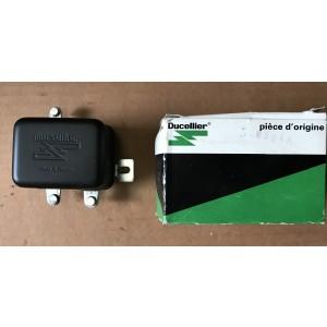 Régulateur 6 volts Ducellier  8304A R4L